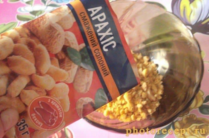 Фото рецепта - Котлеты, панированные в соленом арахисе - шаг 2