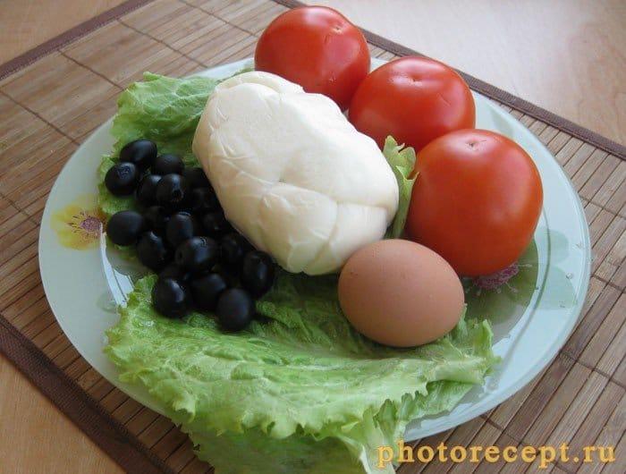 Фото рецепта - Сыр жареный в составе яркого салатного разноцветья - шаг 1