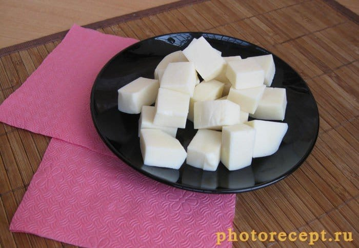 Фото рецепта - Сыр жареный в составе яркого салатного разноцветья - шаг 3