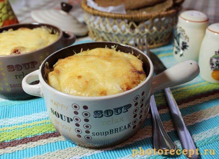Фото рецепта - Запеченные макароны с колбаской под соусом бешамель - шаг 12