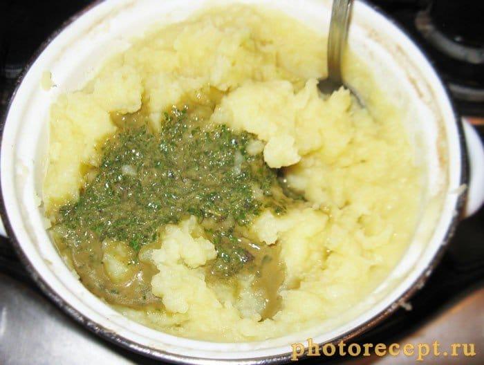 Фото рецепта - Картофельное пюре с базиликом - шаг 4