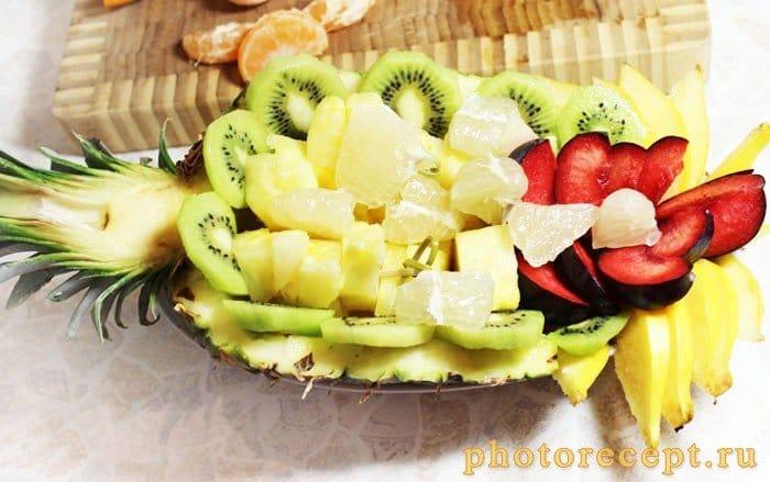 Фото рецепта - Фрукты в ананасе-Рог изобилия - шаг 5