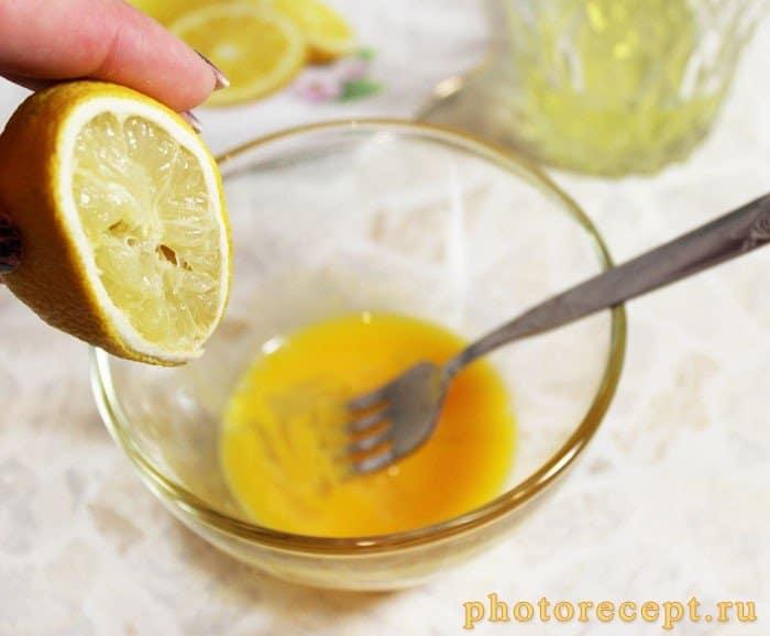 Фото рецепта - Капуста с морковью под сливочным желтковым соусом - шаг 3