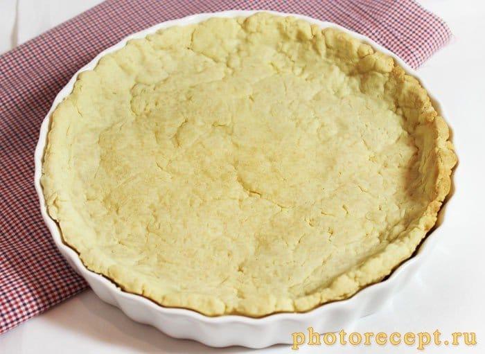 Фото рецепта - Пирог с брусникой и меренгой - шаг 2
