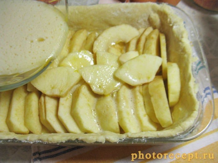 Фото рецепта - Пирог с яблоками и медом - шаг 5