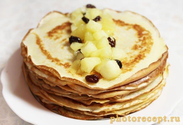 Фото рецепта - Французские крепы с яблоками и изюмом - шаг 7
