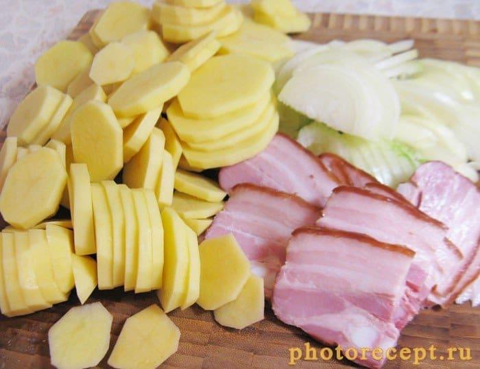 Фото рецепта - Запеченный картофель с копченой грудинкой - шаг 1