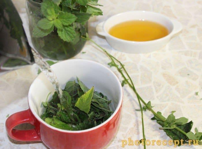 Фото рецепта - Чай с медом-Мятный микс - шаг 2