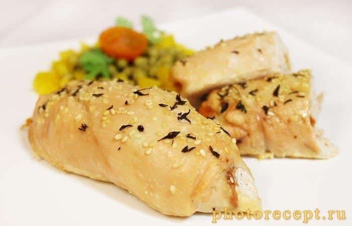 Фото рецепта - Куриные крученики с помидорами и сыром - шаг 5
