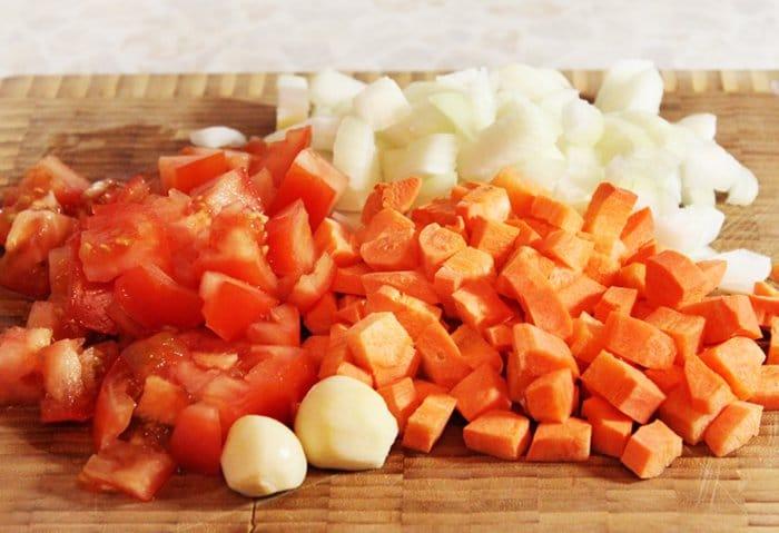 Фото рецепта - Баранина с овощами и розмарином - шаг 2