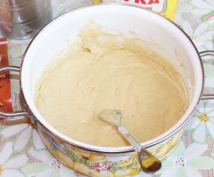 Фото рецепта - Кулич с клюквой и кедровыми орешками - шаг 1