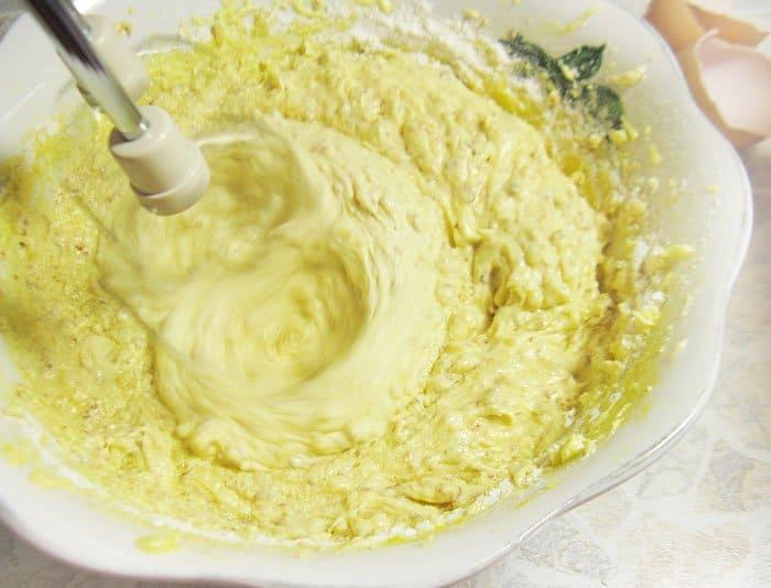 Фото рецепта - Миндальные кексы с голубикой - шаг 5