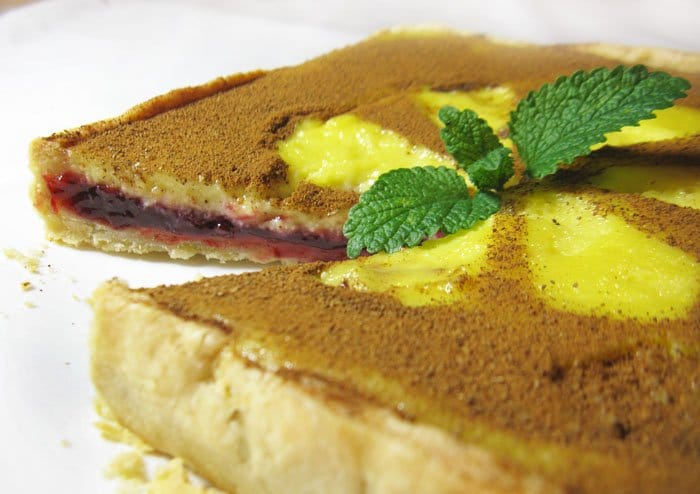 Фото рецепта - Пирог со сливами, сметаной и корицей - шаг 10