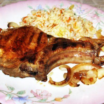 Свиная котлета на кости в маринаде - рецепт с фото