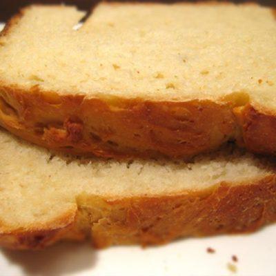Сырный белый хлеб в хлебопечке - рецепт с фото