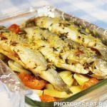 Запеченная в духовке рыба, с картофелем и вином