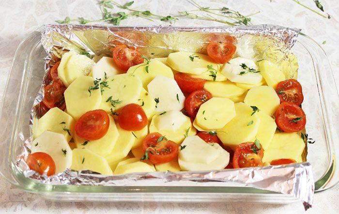 Фото рецепта - Запеченная в духовке рыба, с картофелем и вином - шаг 2