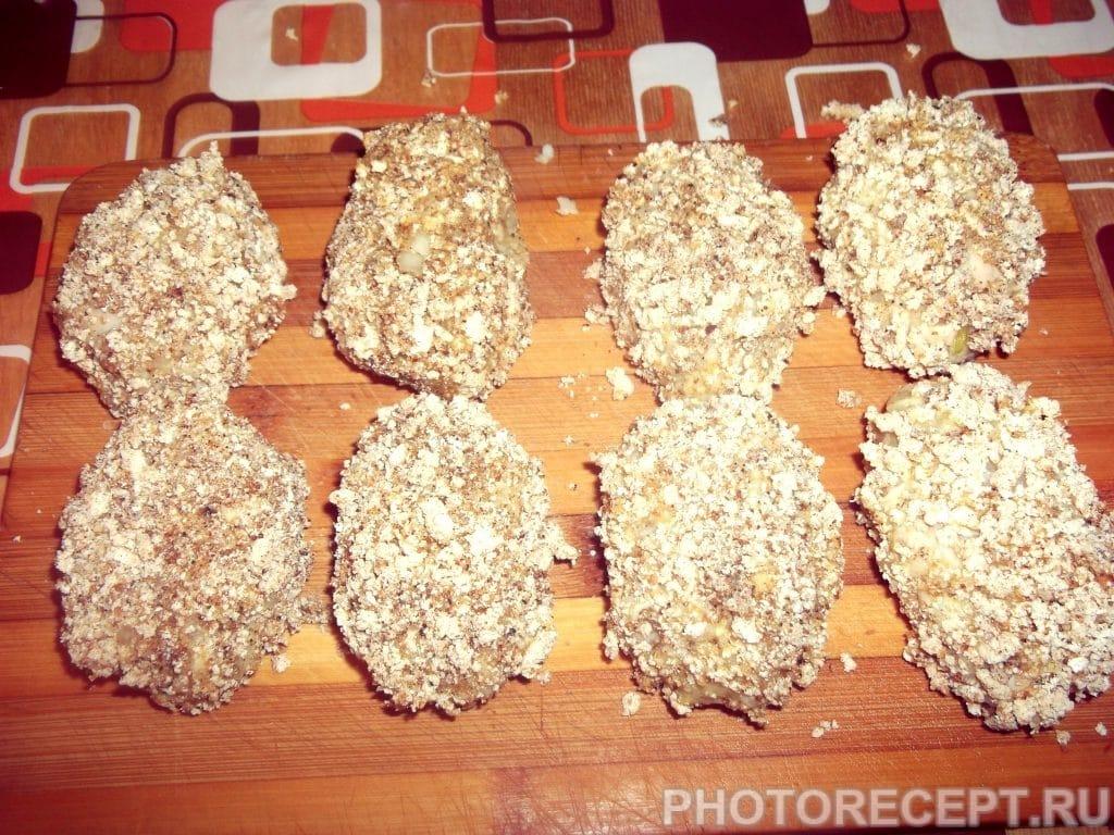 Фото рецепта - Хрустящие куриные котлетки - шаг 13