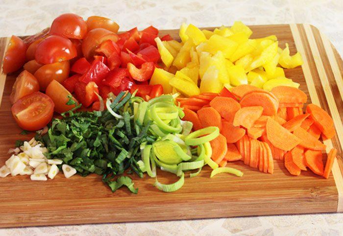 Фото рецепта - Гречневая лапша с овощами в соевом соусе - шаг 3