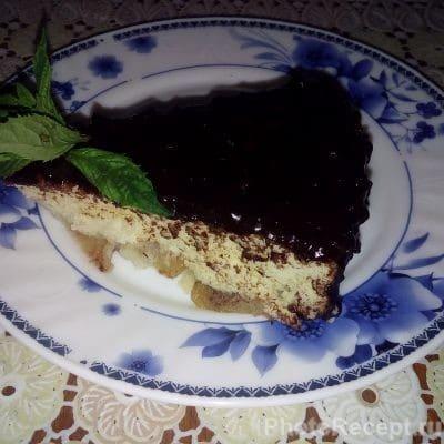 Воздушная шарлотка с шоколадной глазурью в мультиварке - рецепт с фото