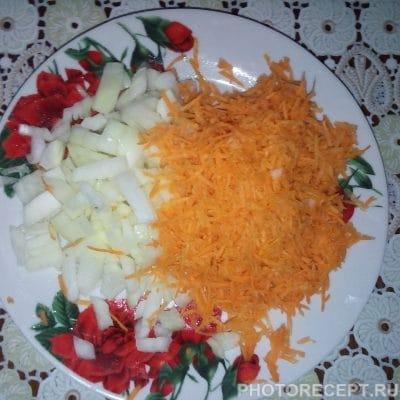 Фото рецепта - Тушеная картошка с мясом кролика в сметане - шаг 2