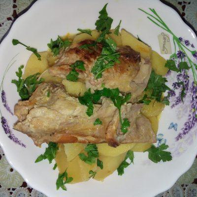 Тушеная картошка с мясом кролика в сметане - рецепт с фото