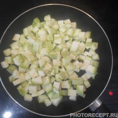 Фото рецепта - Овощное рагу с мясом - шаг 2