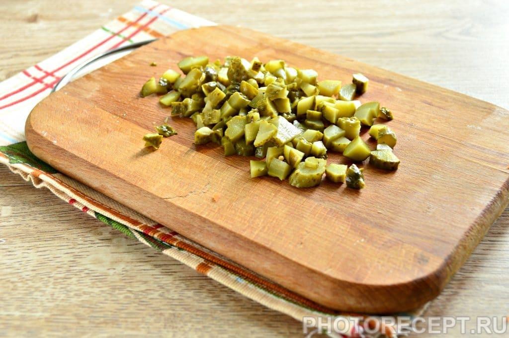 Фото рецепта - Рассольник на мясном бульоне с солеными огурцами - шаг 5