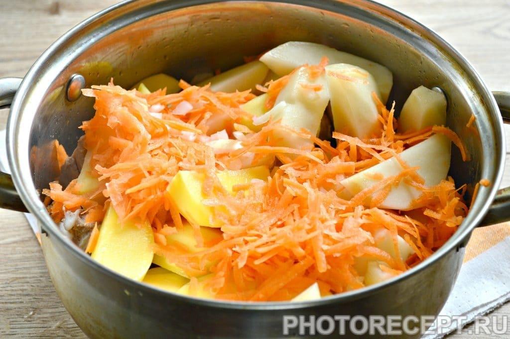Фото рецепта - Курица, тушенная с картошкой - шаг 5
