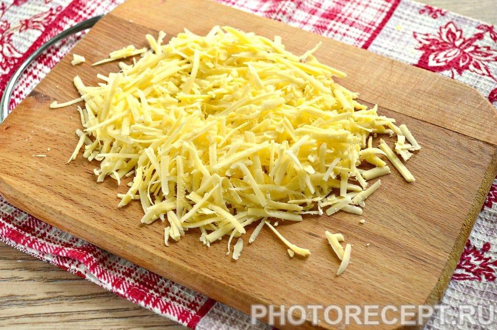 Фото рецепта - Салат с куриной грудкой и ананасами - шаг 6