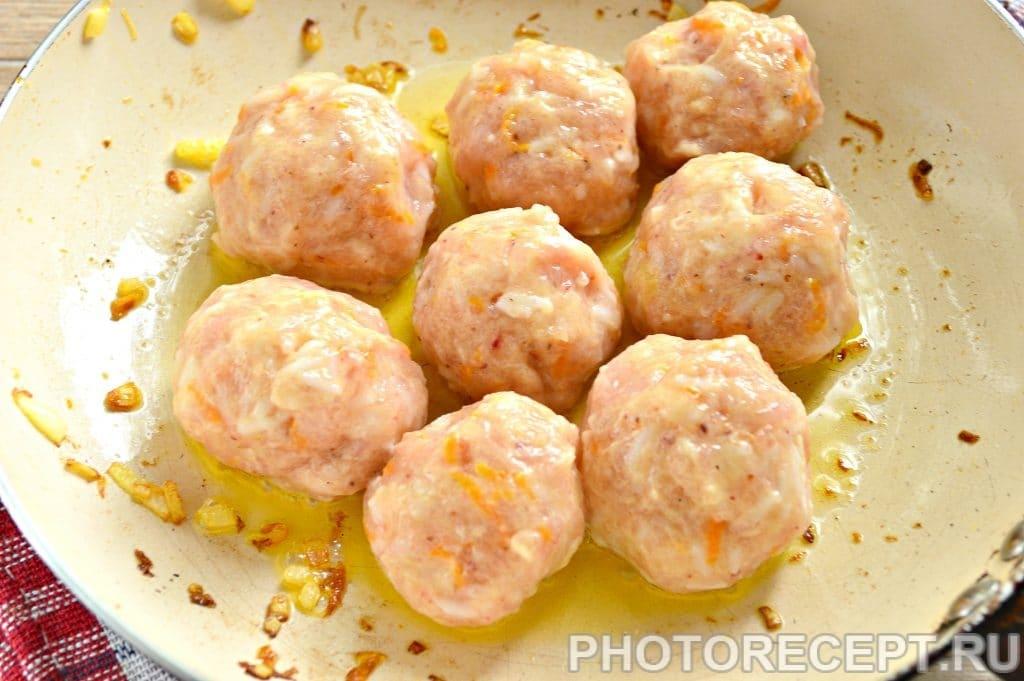 Фото рецепта - Тефтели из куриной грудки с овощами - шаг 9