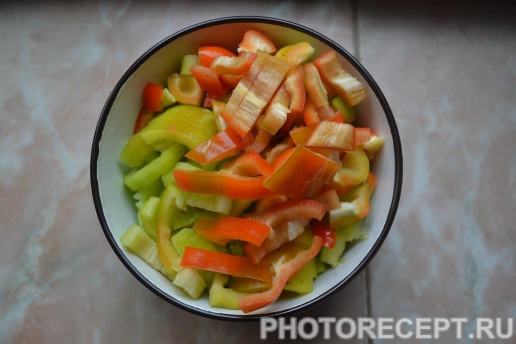 Фото рецепта - Куриная грудка тушеная с овощами - шаг 4
