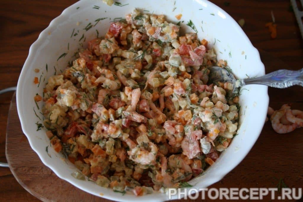 Фото рецепта - Салат с креветками оригинальный - шаг 11
