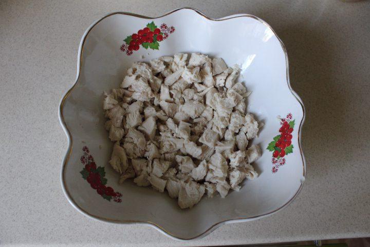 Фото рецепта - Салат «Бабье лето» с лесными грибами - шаг 9