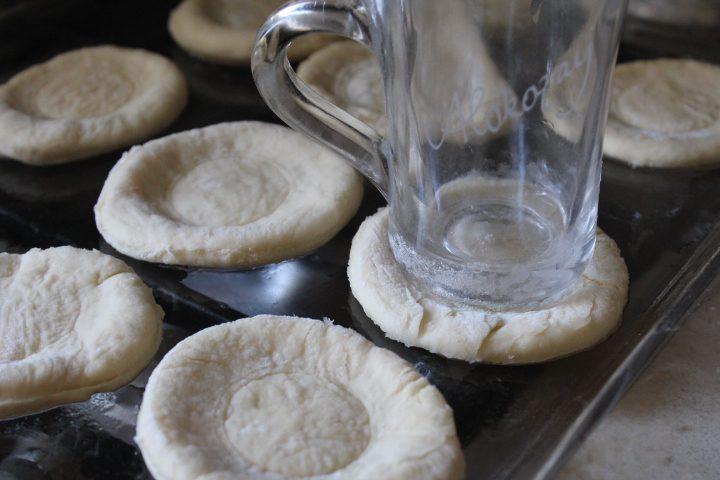 Фото рецепта - Ароматные ватрушки - шаг 15