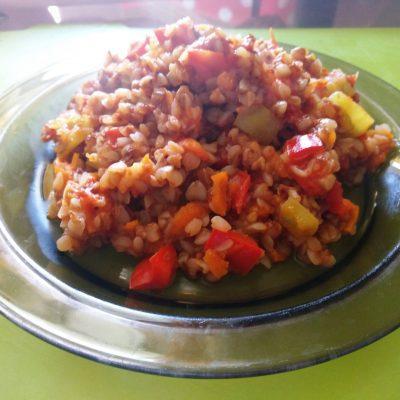Каша гречневая с овощами - рецепт с фото