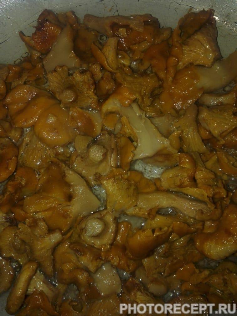 Фото рецепта - Запеченный картофель с лисичками - шаг 4