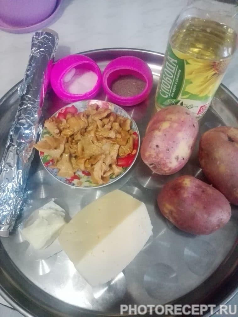 Фото рецепта - Запеченный картофель с лисичками - шаг 1