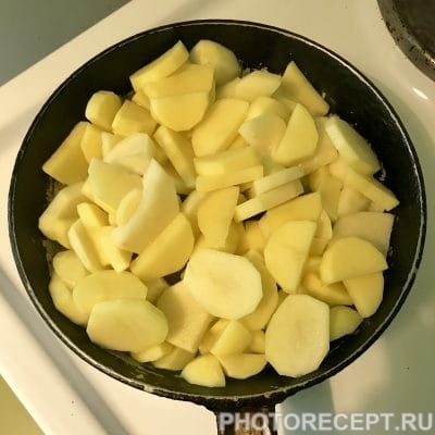 Фото рецепта - Жареная картошечка со шкварками - шаг 4