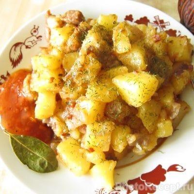Жареная картошка с мясом - рецепт с фото