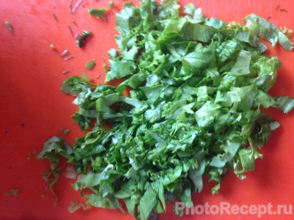 Фото рецепта - Салат из огурцов и кукурузы - шаг 3