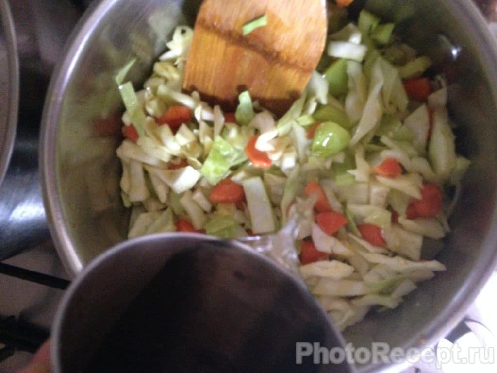 Фото рецепта - Овощное рагу с адыгейским сыром - шаг 5