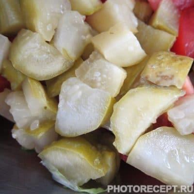 Фото рецепта - Тёплый салат с лисичками - шаг 5