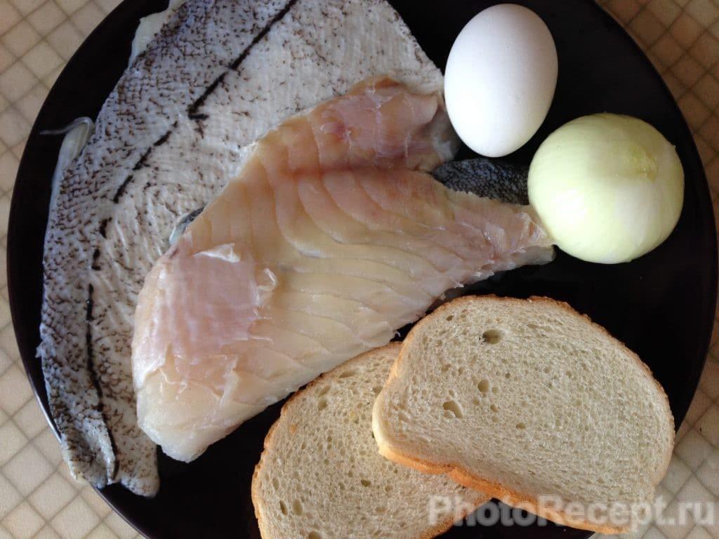 Фото рецепта - Рыбные котлеты из трески - шаг 1