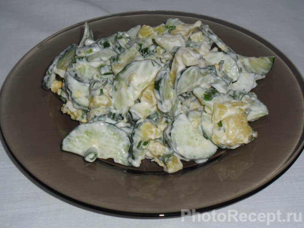 Фото рецепта - Сытный и быстрый салат из огурцов - шаг 9