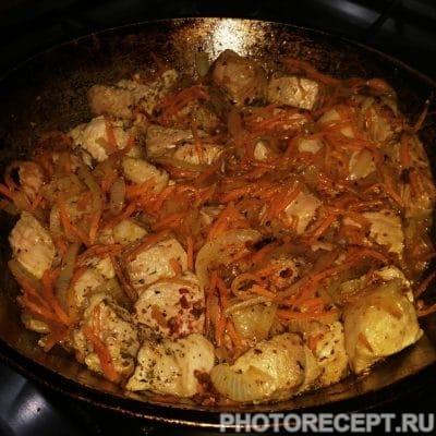 Фото рецепта - Жаркое из свинины с кефиром в горшочках - шаг 6