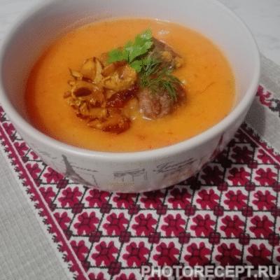 Грибной суп-пюре с мясными фрикадельками - рецепт с фото