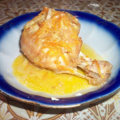 Мясо кролика тушеное в сметанно-чесночной заливке - рецепт с фото