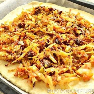 Фото рецепта - Мясной пирог с капустой - шаг 7