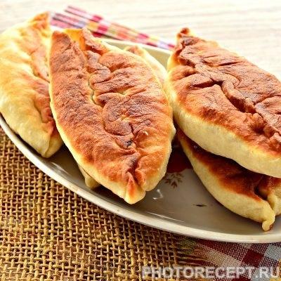 Жареные пирожки с капустой - рецепт с фото